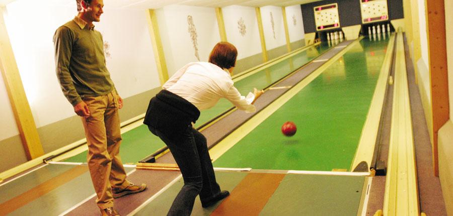 Switzerland_Klosters_Hotel-Silvretta-Park_Bowling-alley.jpg